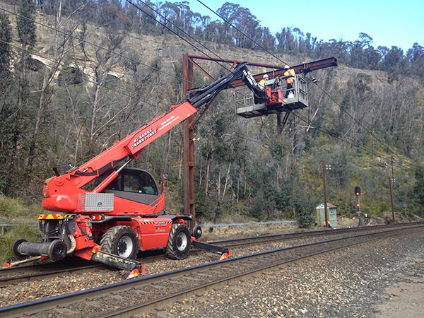 Hi-Range-Crane-Hire-Telehandler-Rail-Hire-EWP-Telehandler-rail-Campbelltown