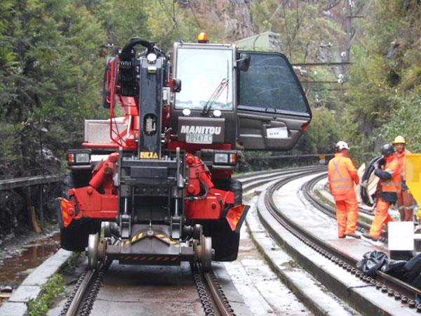 Hi-Range-Crane-Hire-hi-rail-crane-hire-campbelltown