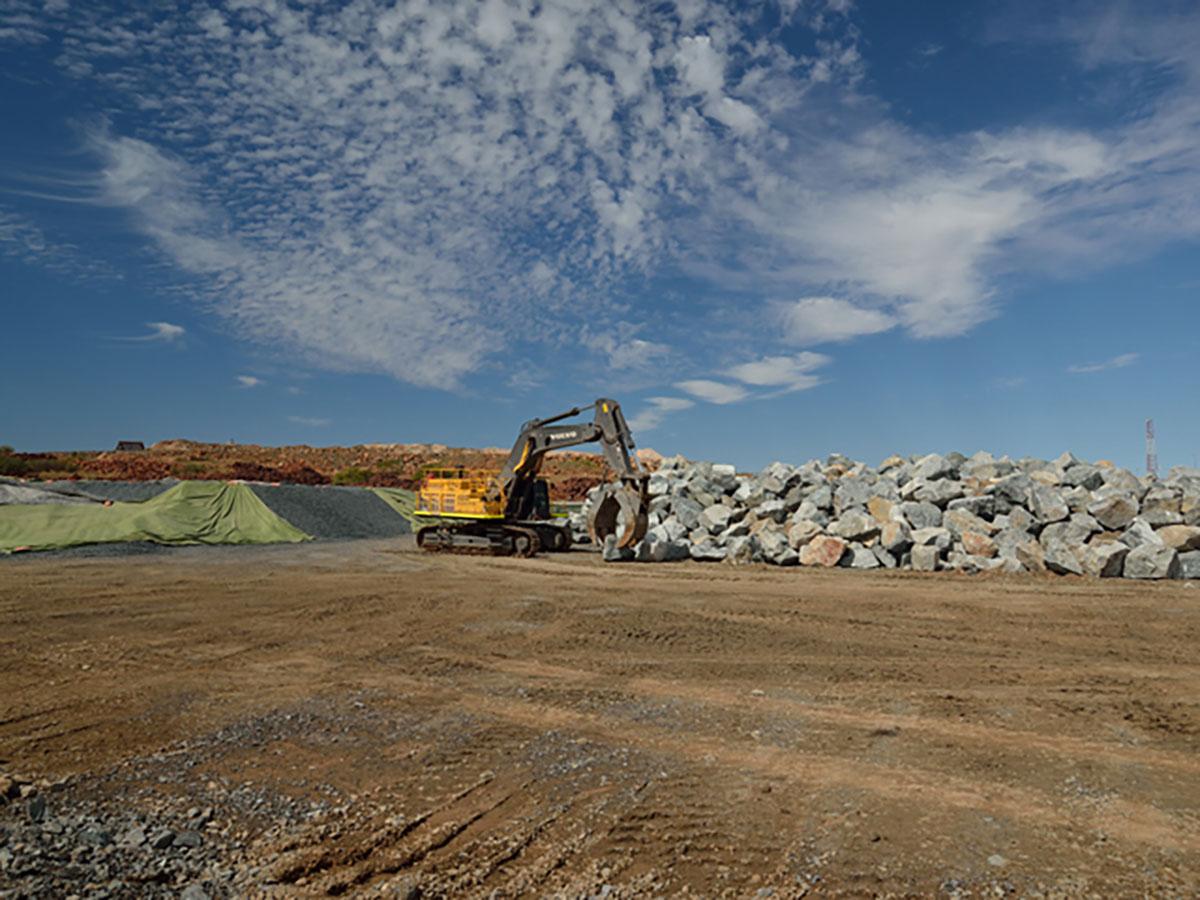 Hicks Civil and Mining Excavator with Grab Claw Pilbara