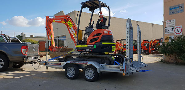 Hireways-Mini-excavator-float-trailer-mobile-equipment-servicing-perth