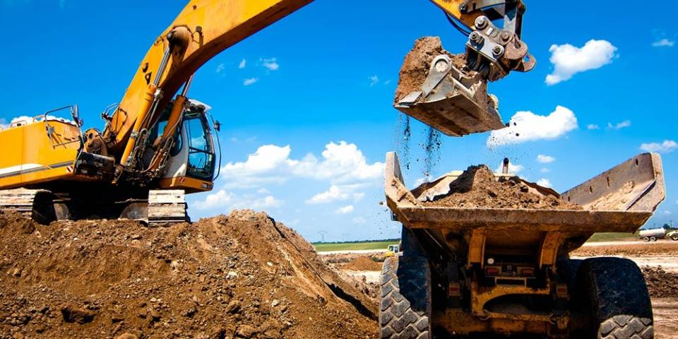 Hogg Brothers Excavator and tipper on site