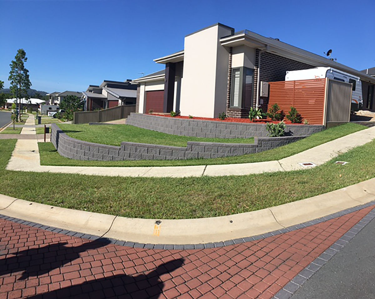 Hoys Retaining Wall tiered garden using Heron blocks by Austral