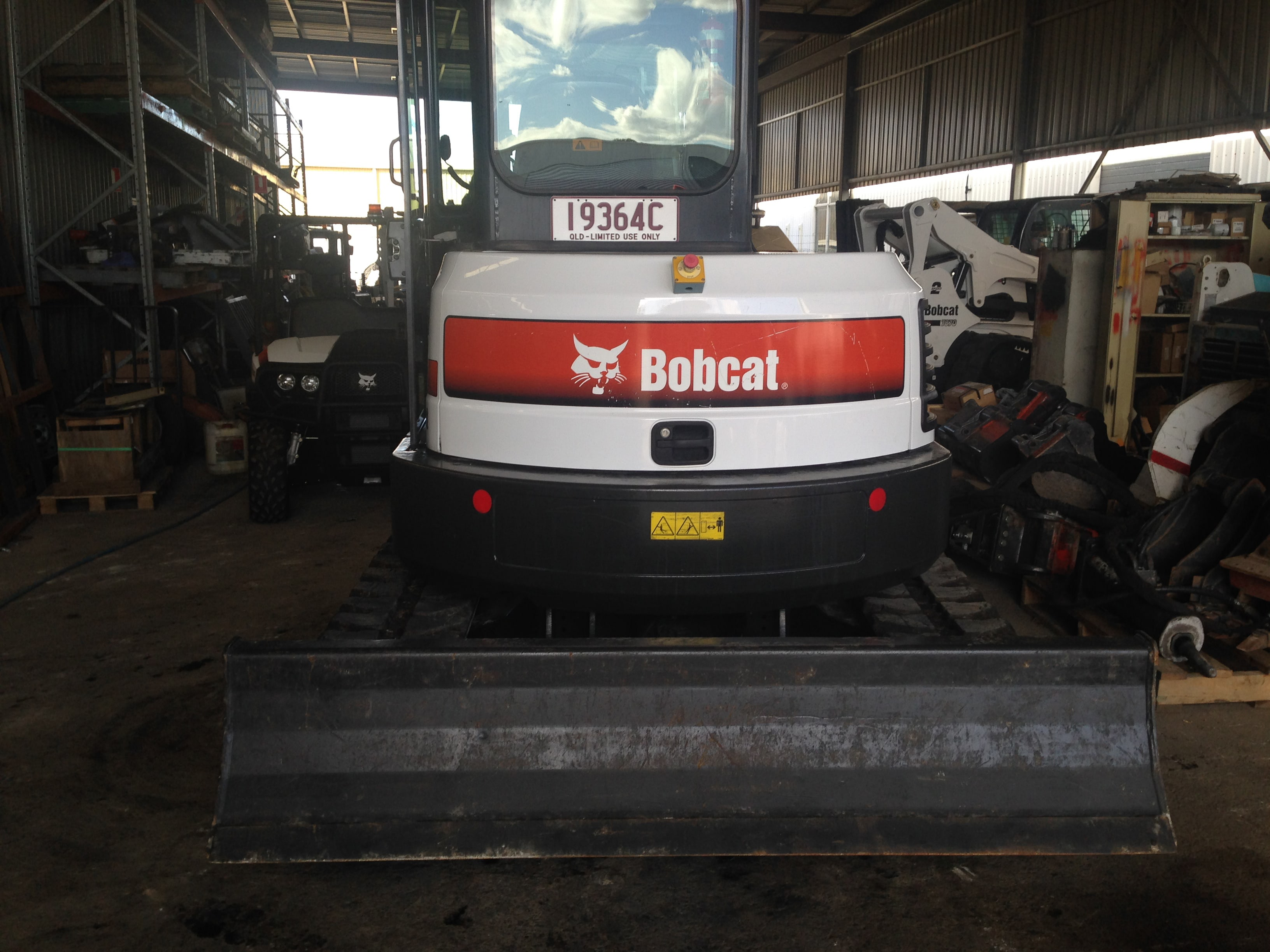 Bobcats and Skid Steer Loaders for Hire   TKR