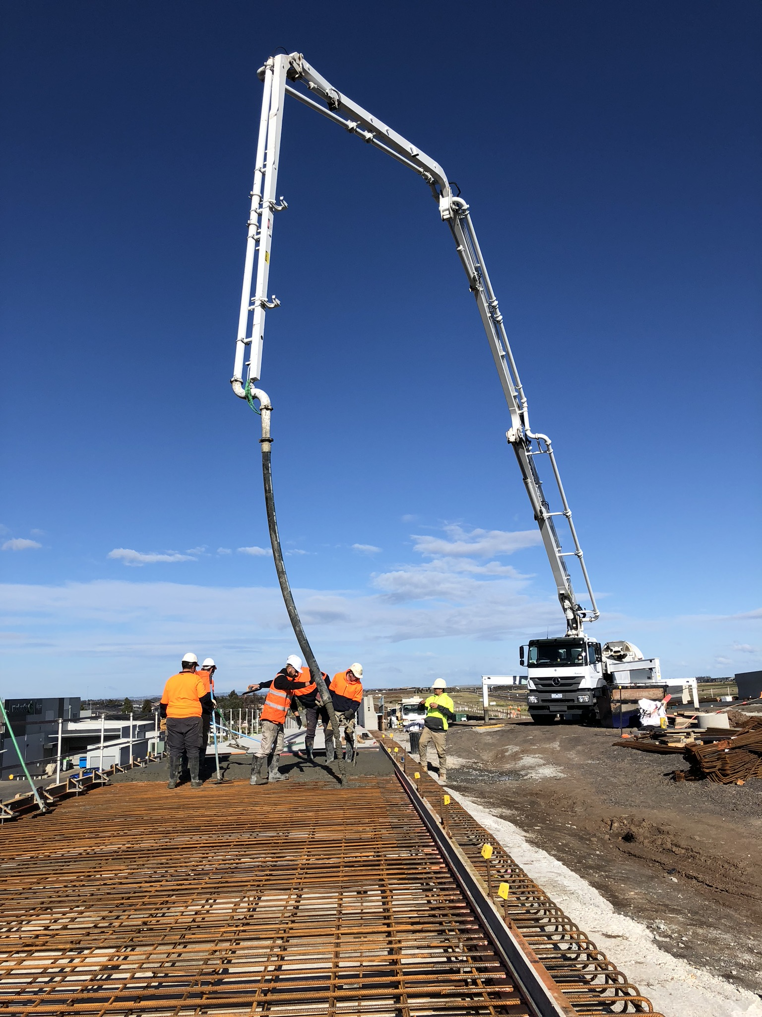 Geelong-Concrete-Pumping-Mobile-Boom-Pump-Hire-Melbourne-2