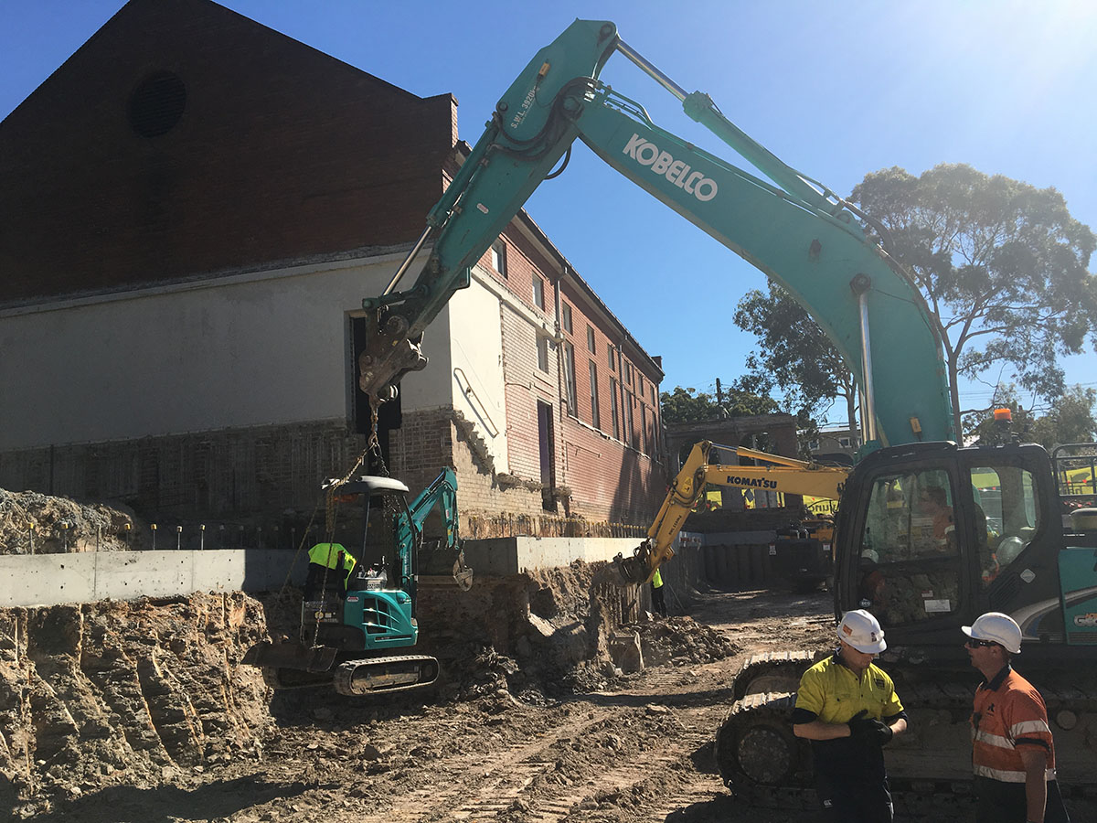 Kennedy Hire - excavators on site