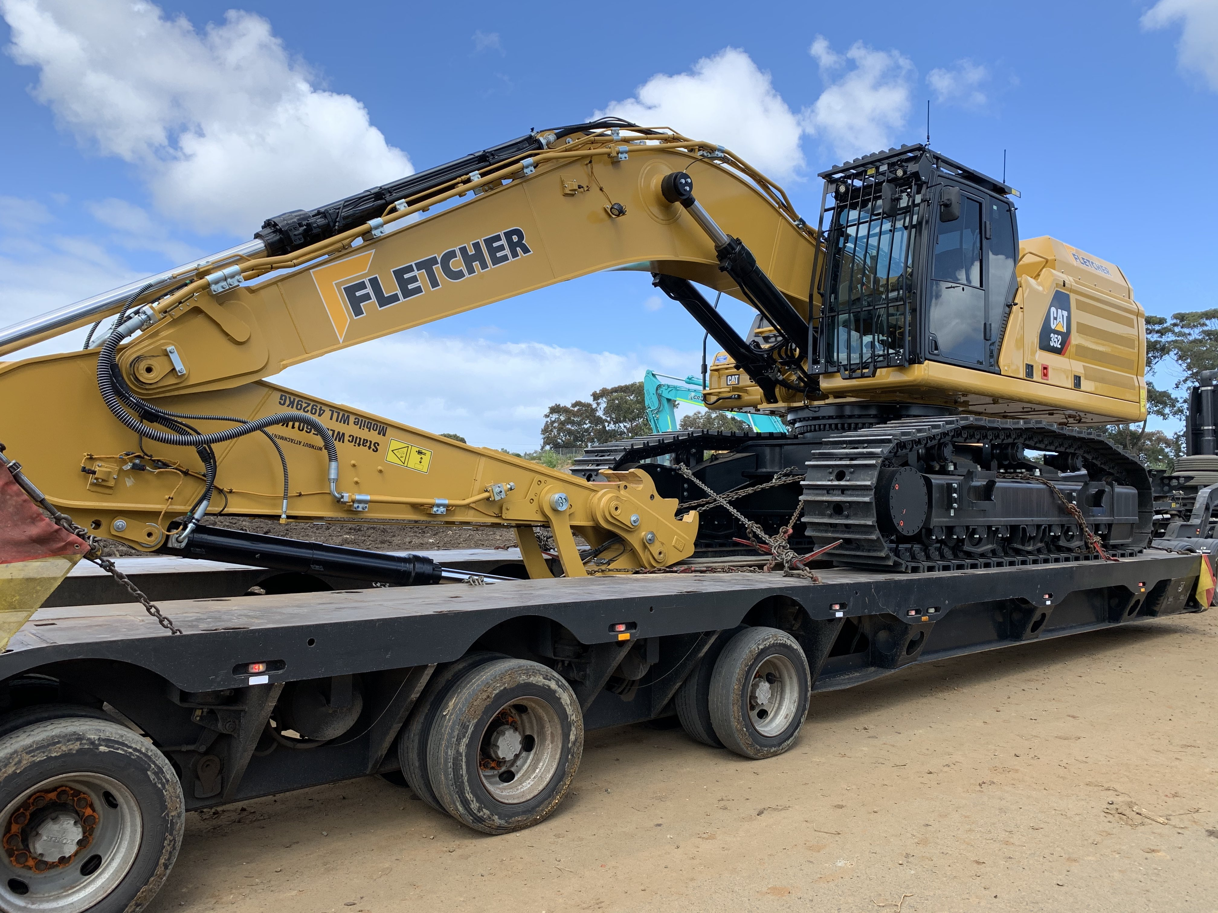Fletcher-Bros-Solutions-truck-float-excavator-Heavy-Haulage-Melbourne