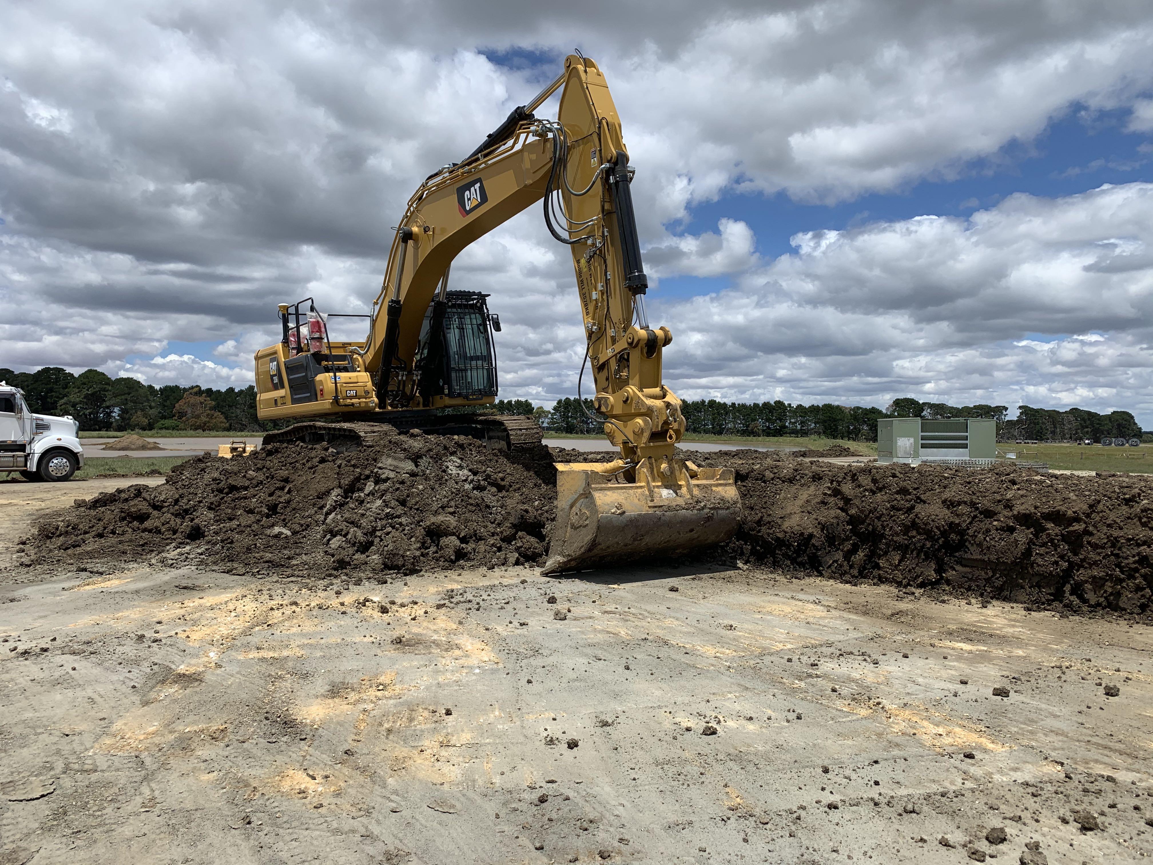 Fletcher-Bros-Solutions-Cat-excavator-rock-moving-earthwork-contracting-melbourne