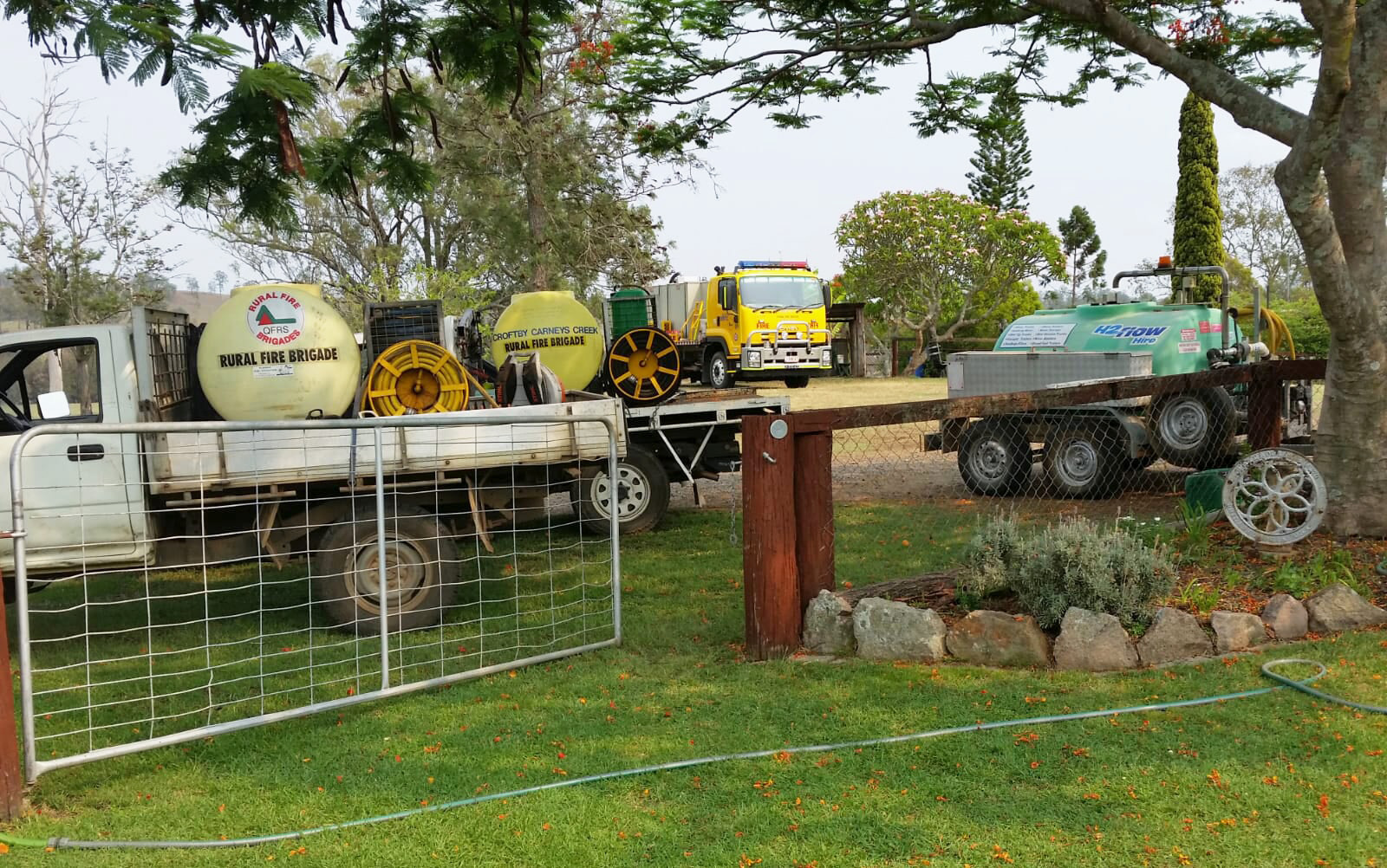 H2flow Hire's water trailer with Rural Fire Brigade transport.