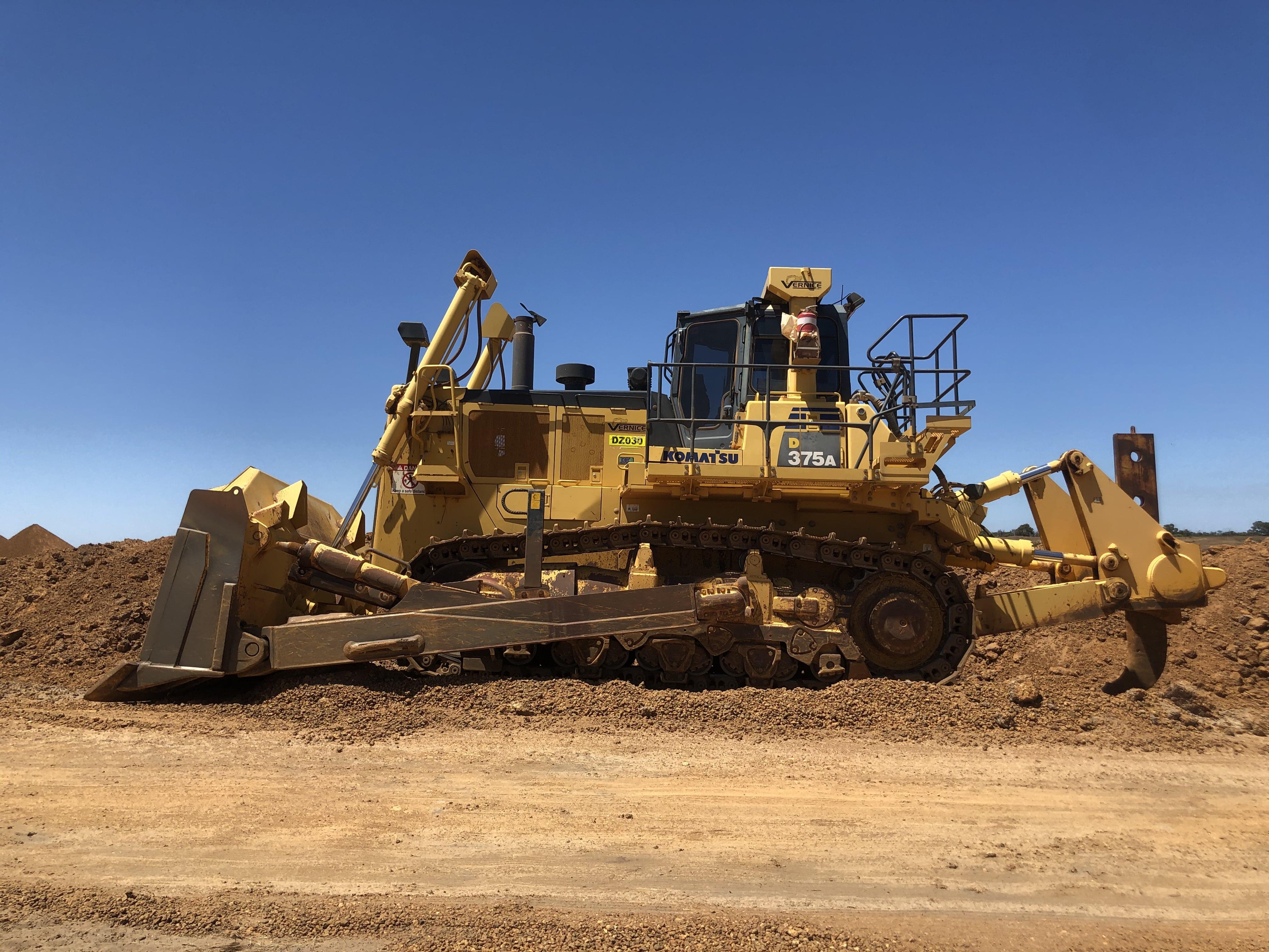 vernice-D375-dozer-hire-perth-western-australia