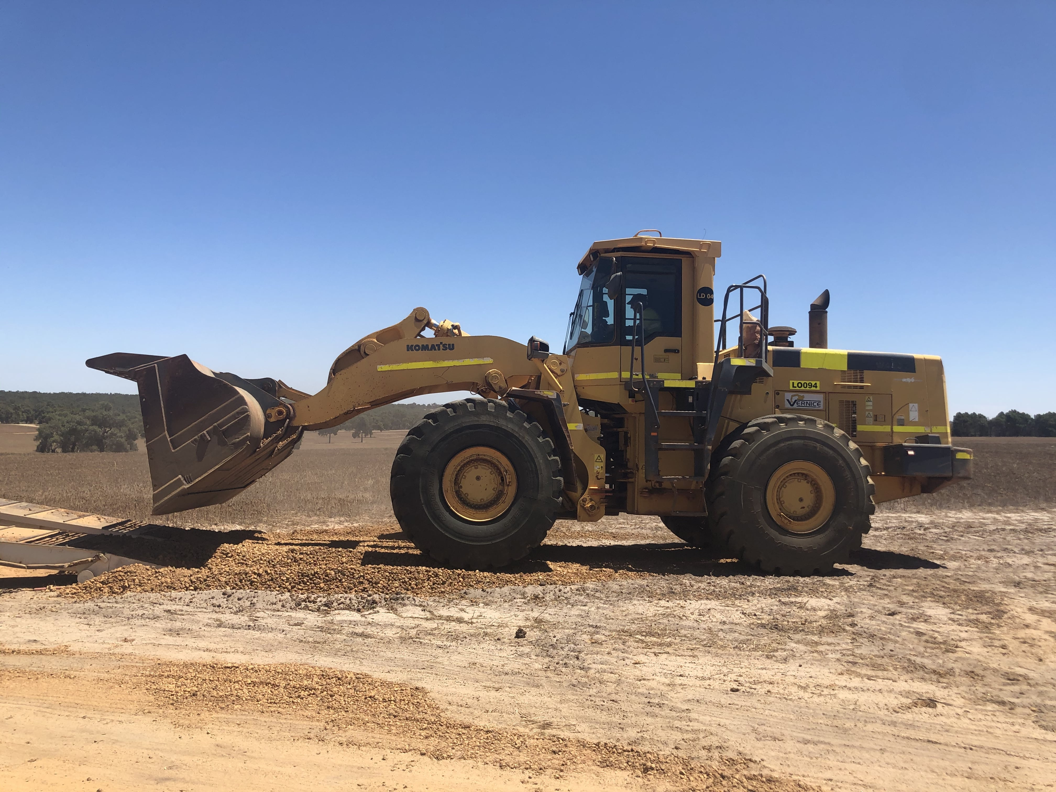 5t loader hire vernice western australia