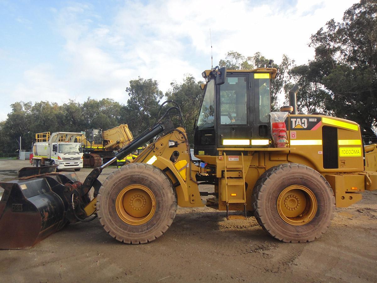 Oprema Front loader on site