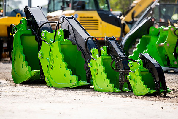 Impact-Construction-Equipment-Kriss-Bucket-Hire-Melbourne-4