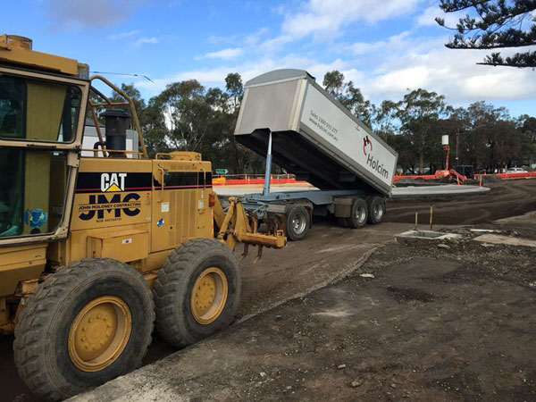 John-Moloney-Contracting-tipper-concrete-laying