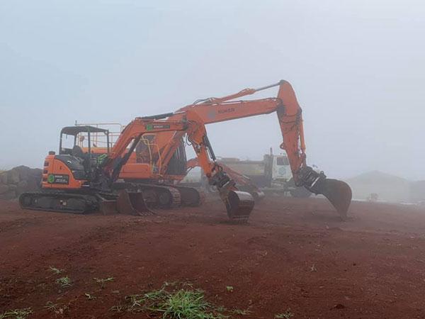 Koker-Civil-Excavators-in-fog-Nimbin