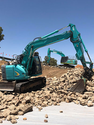 Lawton-Earthworks-Civil-Construction-excavator-hire-Jerilderie