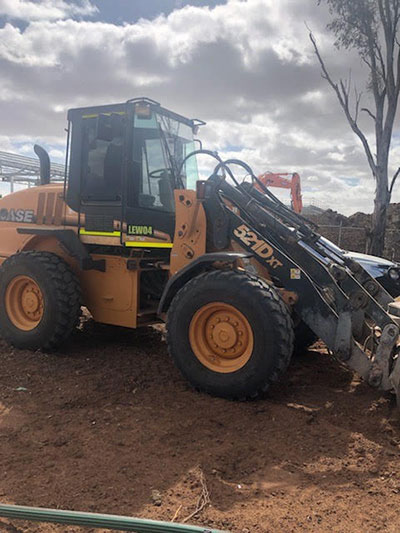 Lawton-Earthworks-front-loader-hire-Jerilderie
