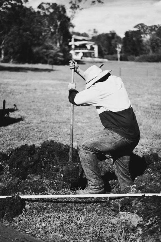 Operator digging