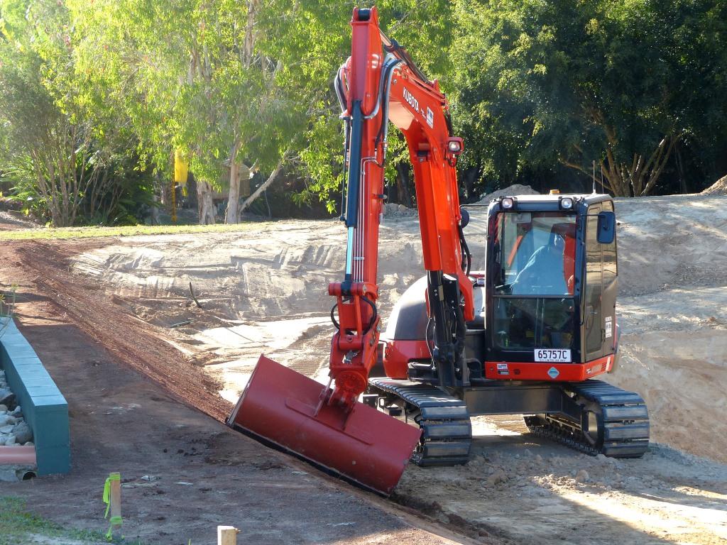 MDB Excavations Dam kubota Excavator