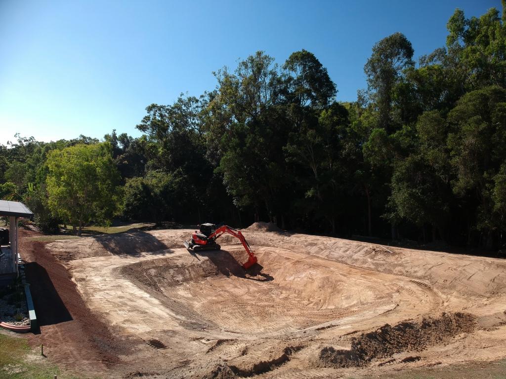 MDB Excavations Dam site excavator