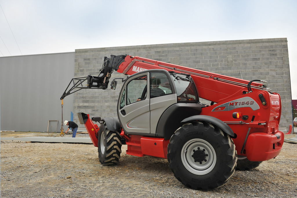 use-a-telehandler-safely
