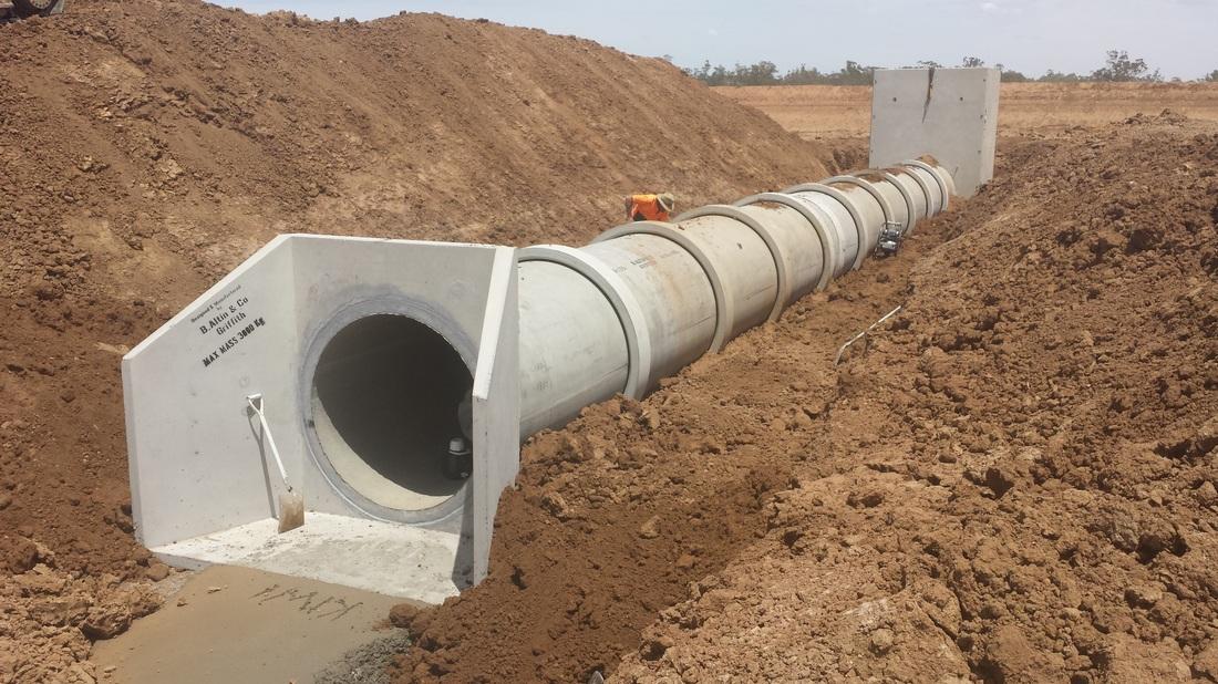 Macquarie Civil Concrete pipeline installation on local property around Warren NSW