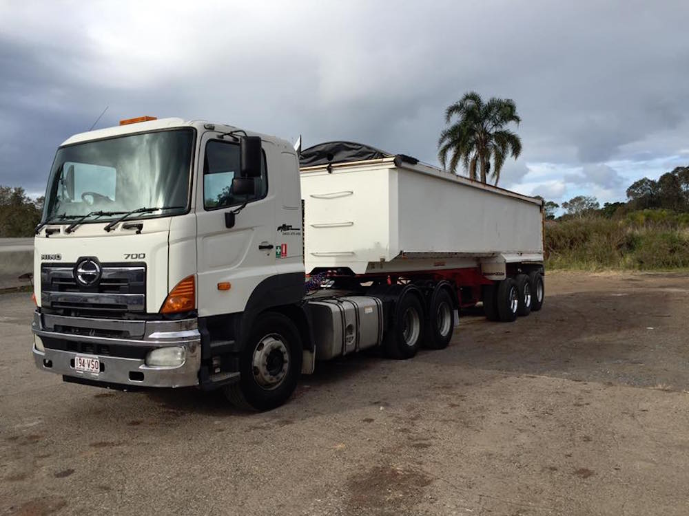 Mcmanaway_Earthmoving hino truck