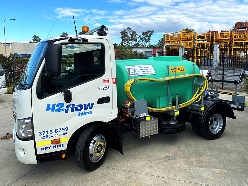 H2flow Hire's new 2000 litre Premium Hino 300 Water Truck.