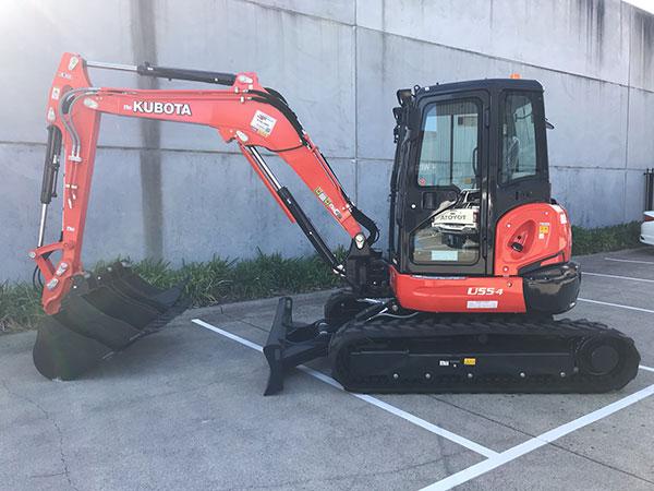 Mini-Plant-Hire-5-5ton-excavator-kubuta-Melbourne