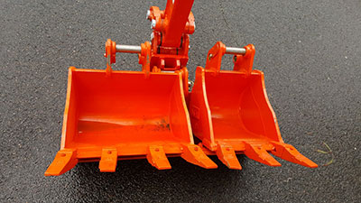 Mini-Plant-Hire-Excavator_1-7Ton-buckets-hire-Dandendong