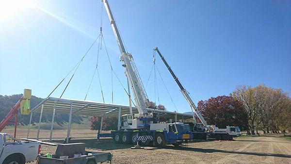 National-Cranes-and-Engineering-dual-roof-install-crane-hire-services