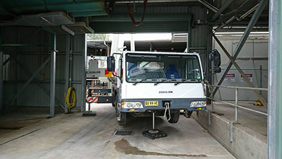 National-Cranes-and-Engineering-tight-access-crane-truck-hire-Kempsey