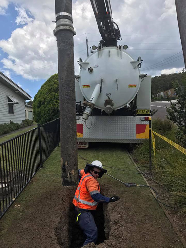 Newcastle-Locating-Services-vacuum-excavation-vac-truck