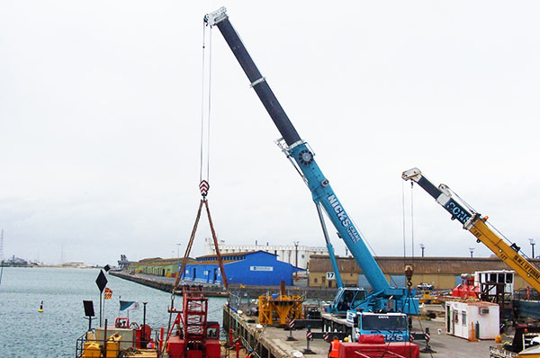 Nicks-Cranes-Services-docks-crane-hire-Wingfield