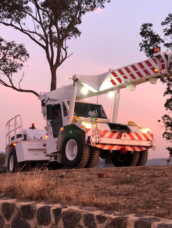Nolimit-Cranes-sunset-franna-hire-12t-Melbourne