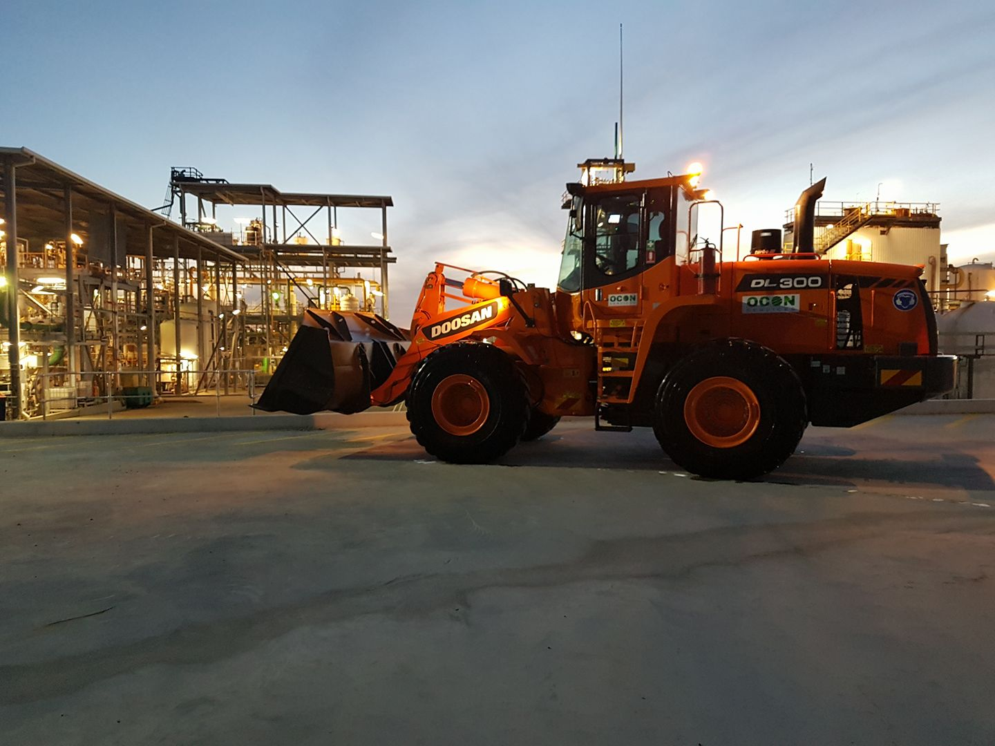 OCON Services Doosan DL300 Loader