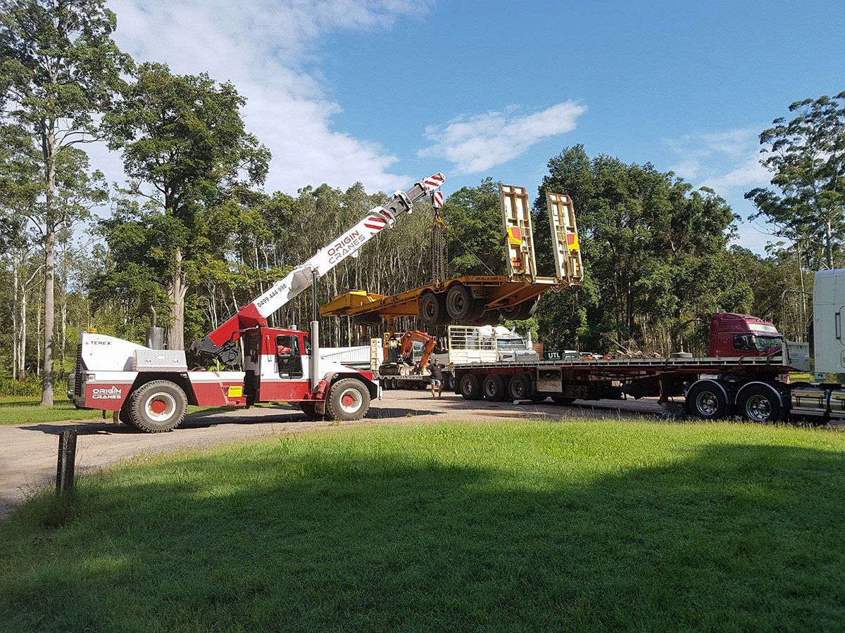 Origin-Cranes-franna-float-truck-lift-machinery-move-Caloundra