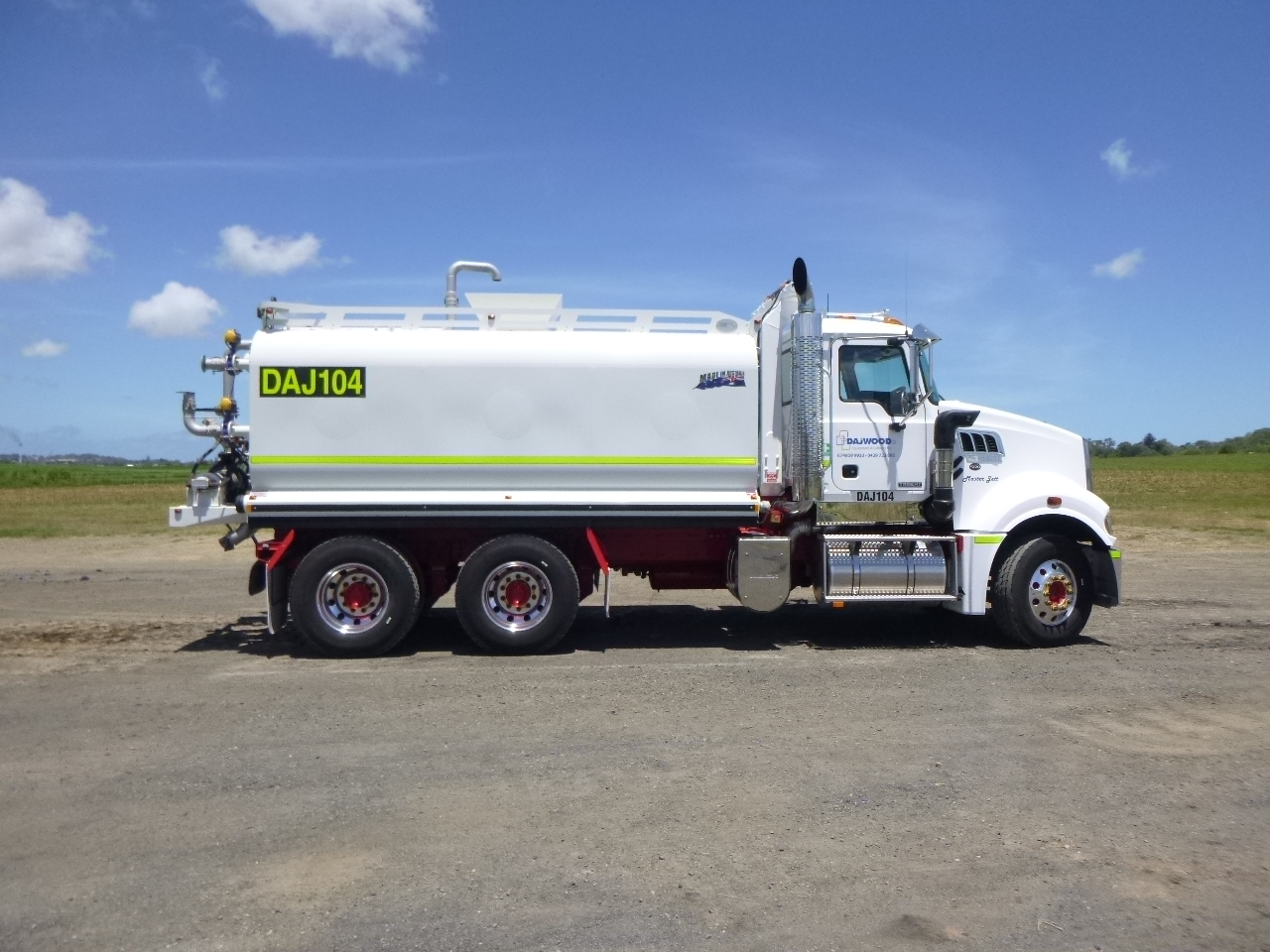 MACK TRIDENT WATER TRUCK FOR HIRE