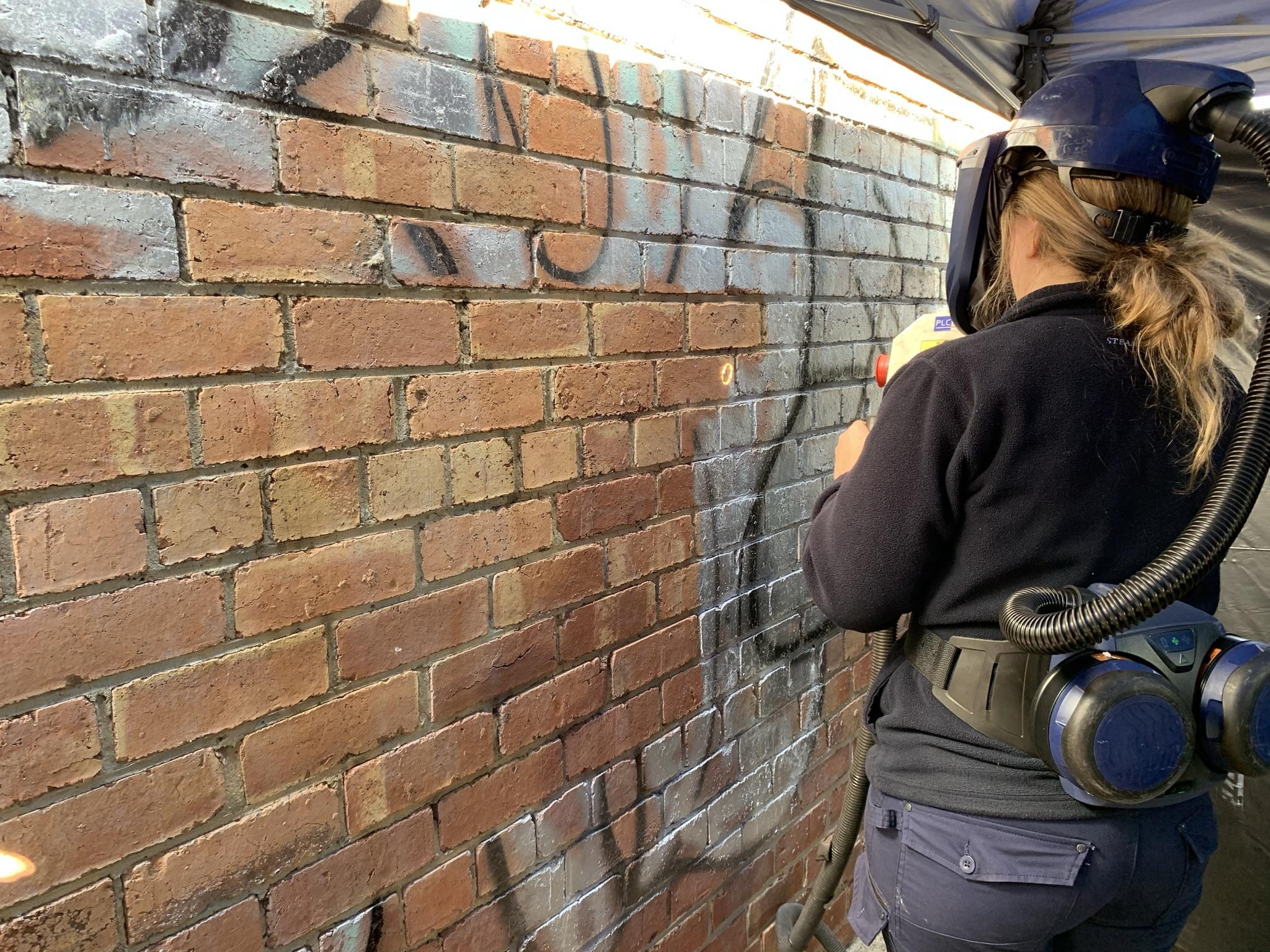 non-abrasive graffiti removal method