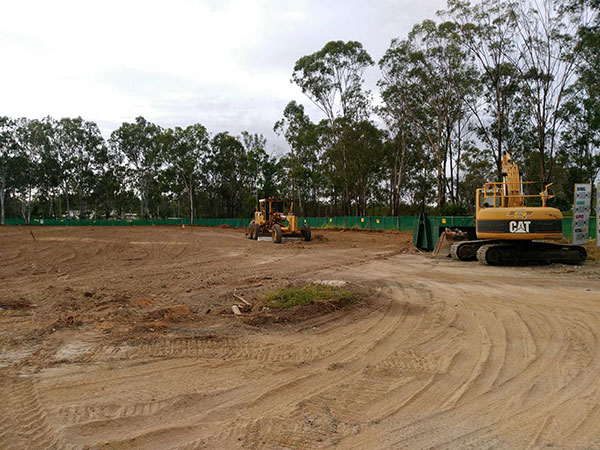 Phoenix-Fuel-Systems-Mt-Larcom-grader-final-trim