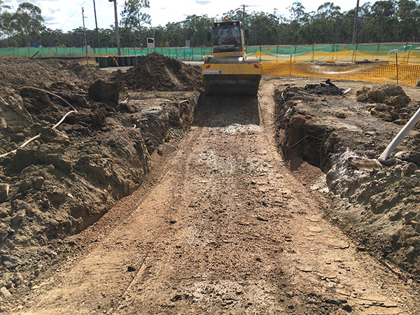 Phoenix-Fuel-Systems-Mt-Larcom-roller-excavation