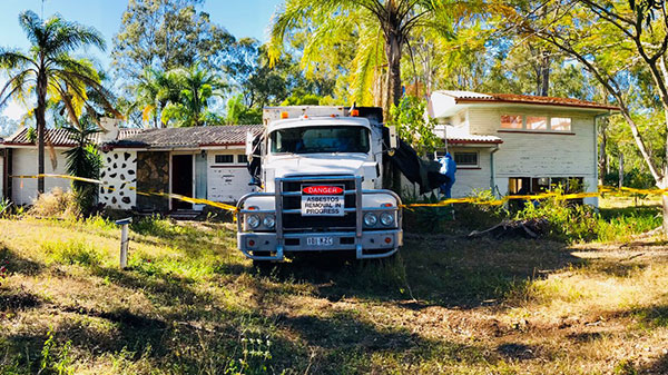 Relient-Civil-Asbestos-Removal-sign-on-Truck-Brisbane
