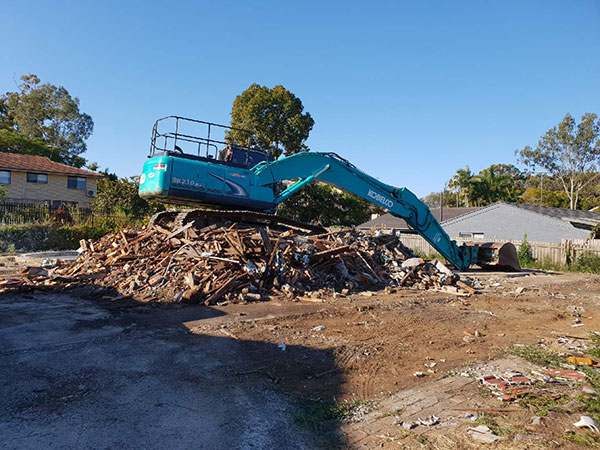 Relient-Civil-Bulk-Earthworks-Excavator-Hire-Brisbane