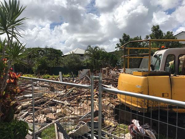 Relient-Civil-Demolition-Debris-with-Excavator-Brisbane