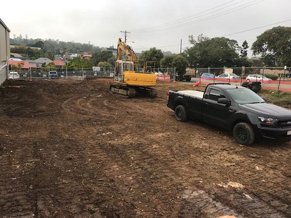Relient-Civil-Excavator-and-Ute-Brisbane