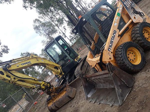 Relient-Civil-Mini-Excavator-Bobcat-Hire-Brisbane