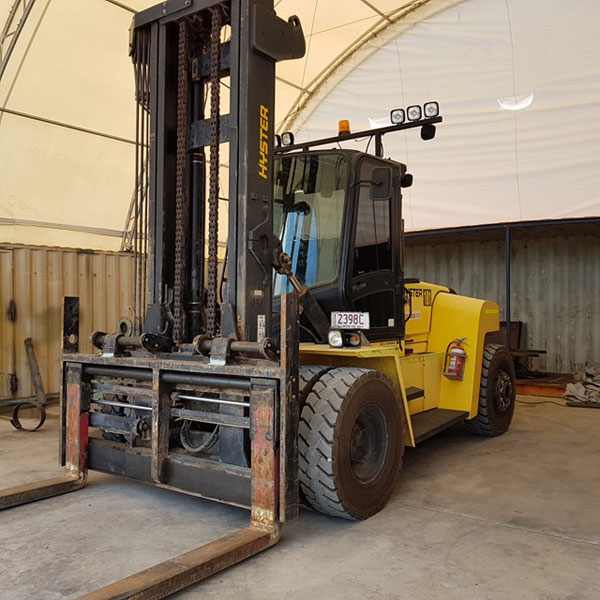 Revolution-Forklifts-Forklift-Hire-Forklift-Servicing-vertical-forklift--(1)
