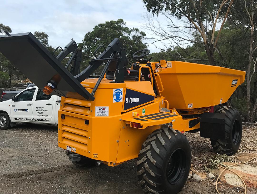Rick Davis Contracting Dump Truck Hire Sydney