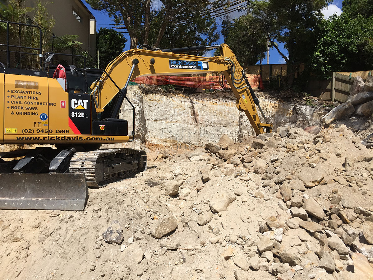 Rick-Davis-Contracting-CAT-312E-Hire-Sydney