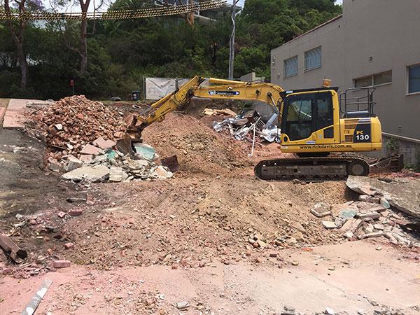 Rick-Davis-Contracting-CAT-PC130-Excavator-Hire-Sydney