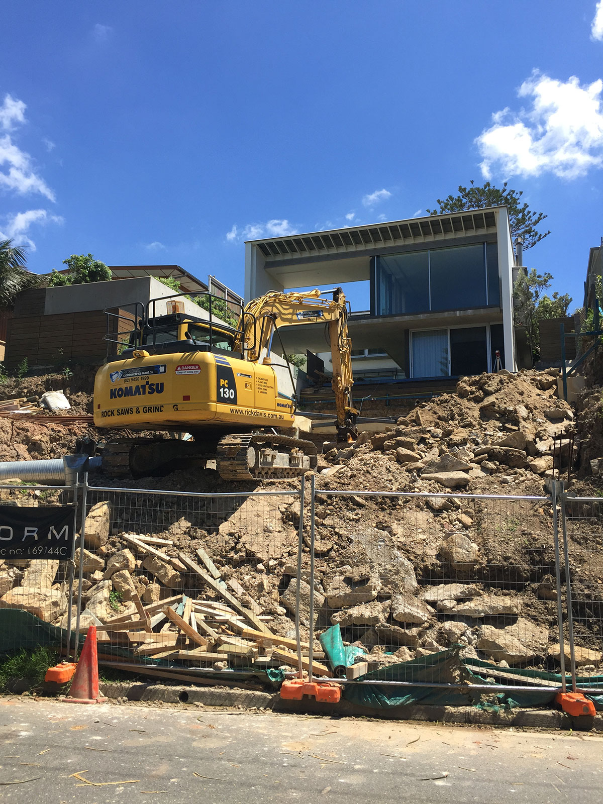 Rick-Davis-Contracting-Excavation-Site-Excavator-Hire-Sydney